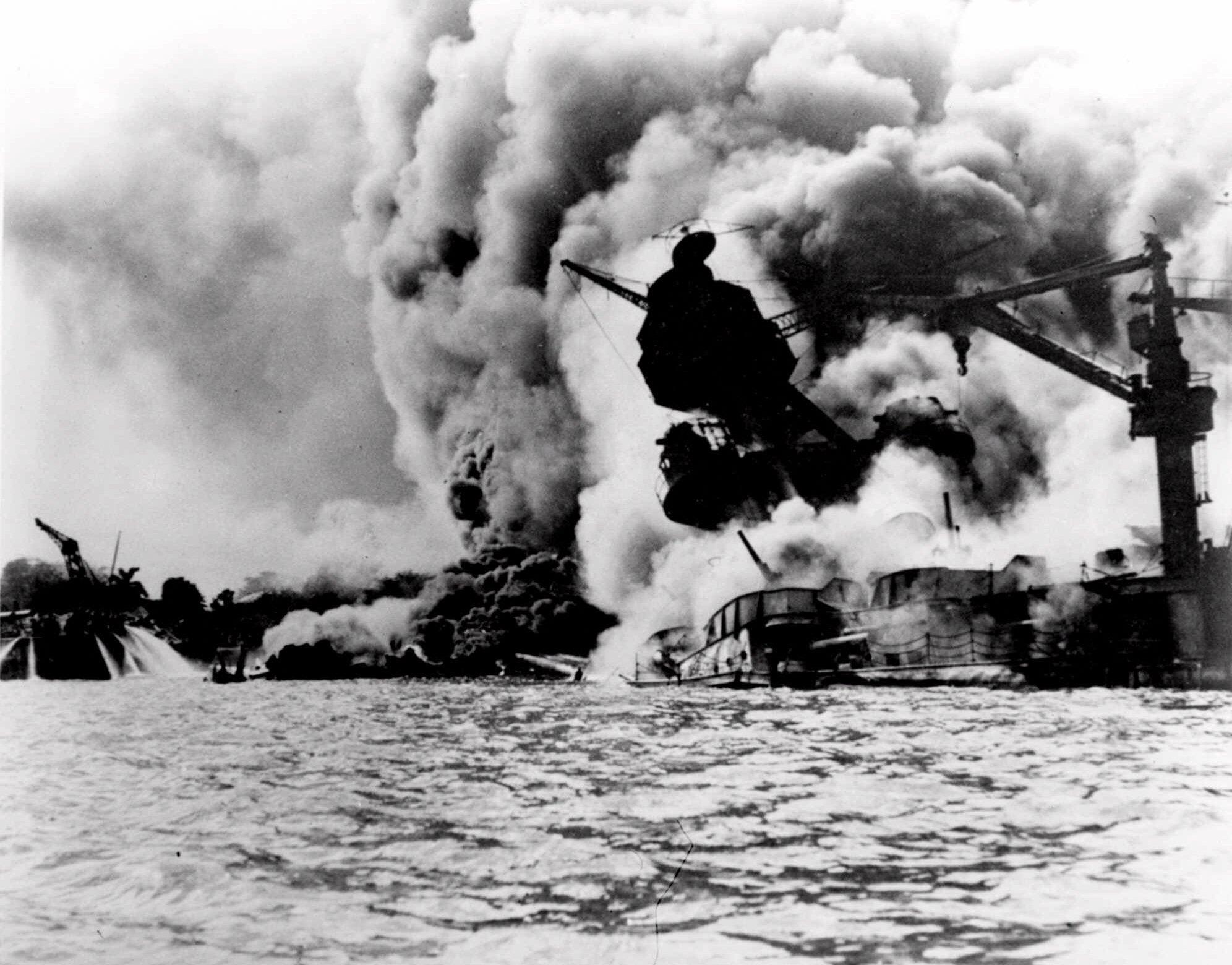 真珠湾攻撃(海軍歴史センター/Wikimedia Commons)